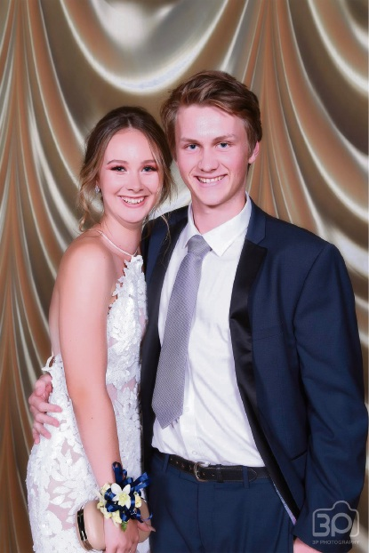 Peter Moyes Anglican Community School Year 12's go Hollywood for ball