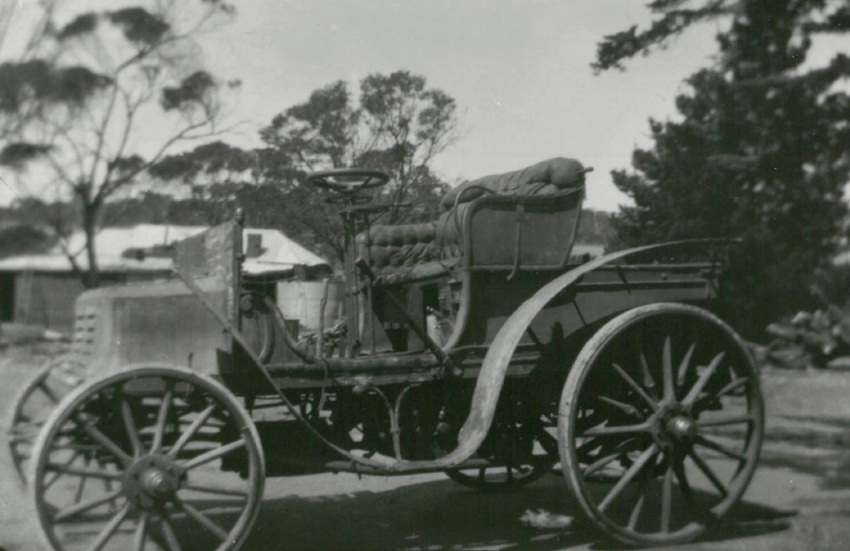 WA's oldest surviving car moved from Welshpool to York