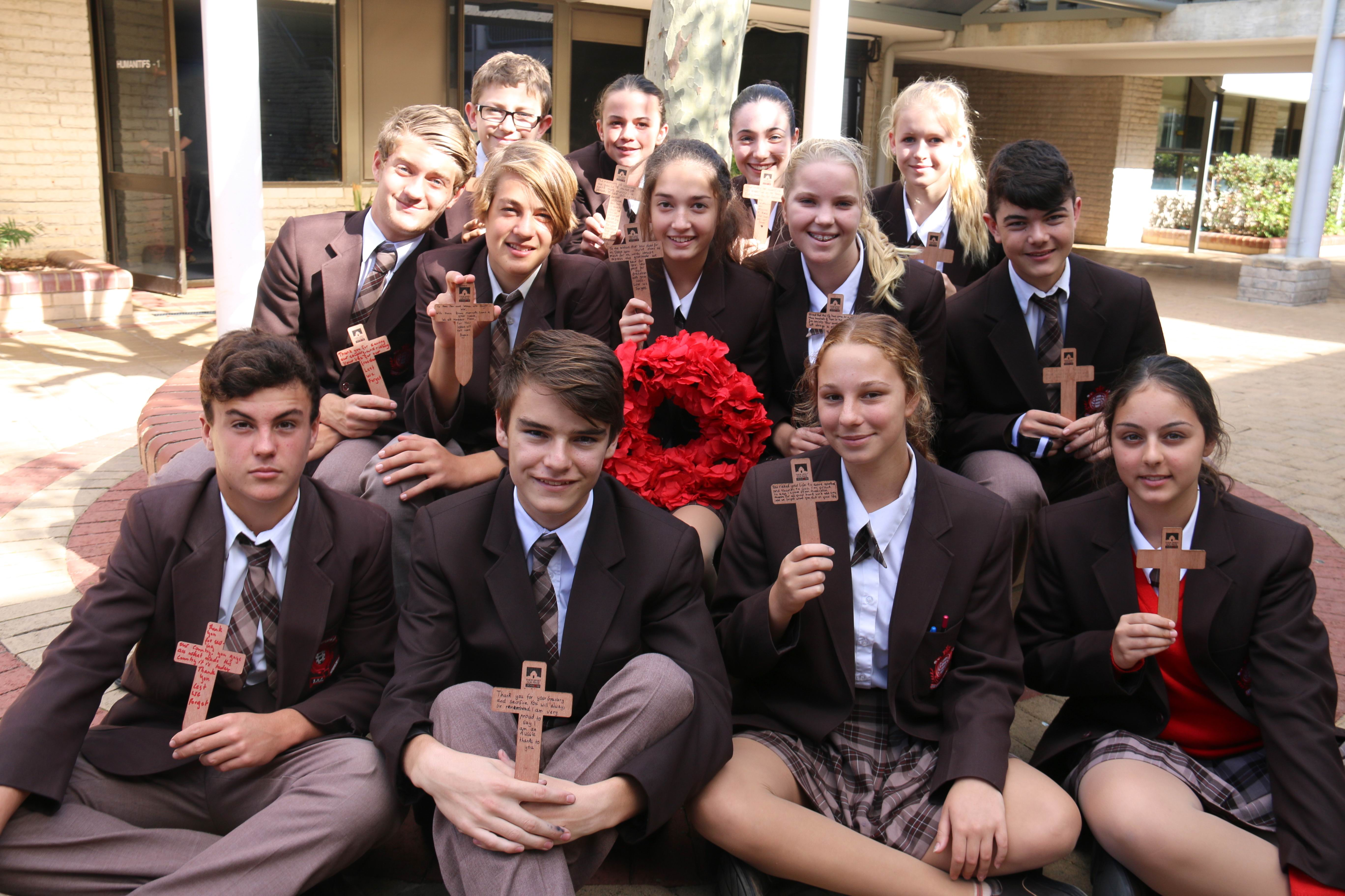 Lauren Larranaga-Trivess (back row, secnd from left) with her Year 9 history class in 2014.
