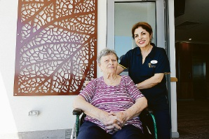 Tammy Rezaei-Darjazini with Braemar resident Eugenia Piscitelli (seated). Picture: Jon Hewson