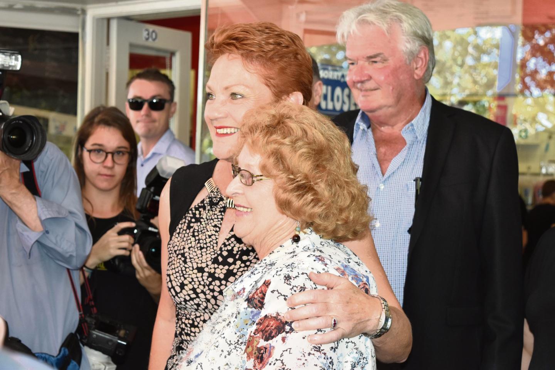 Pauline Hanson given rock star welcome in Mandurah