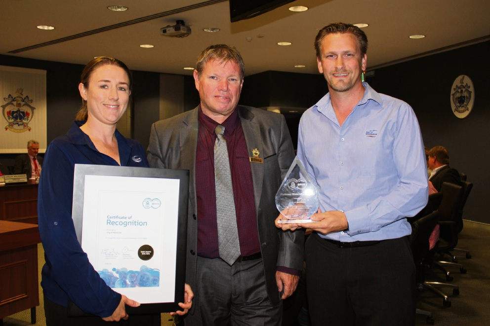 Water project officer Natalie Lee, deputy Mayor Darren Lee and groundwater conservation officer Dale Robinson with the award.