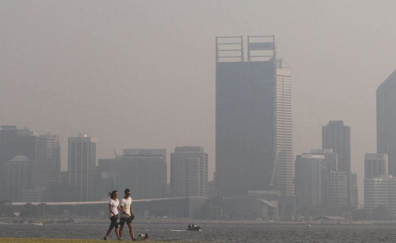 A haze has covered most of Perth. Picture: Twitter.