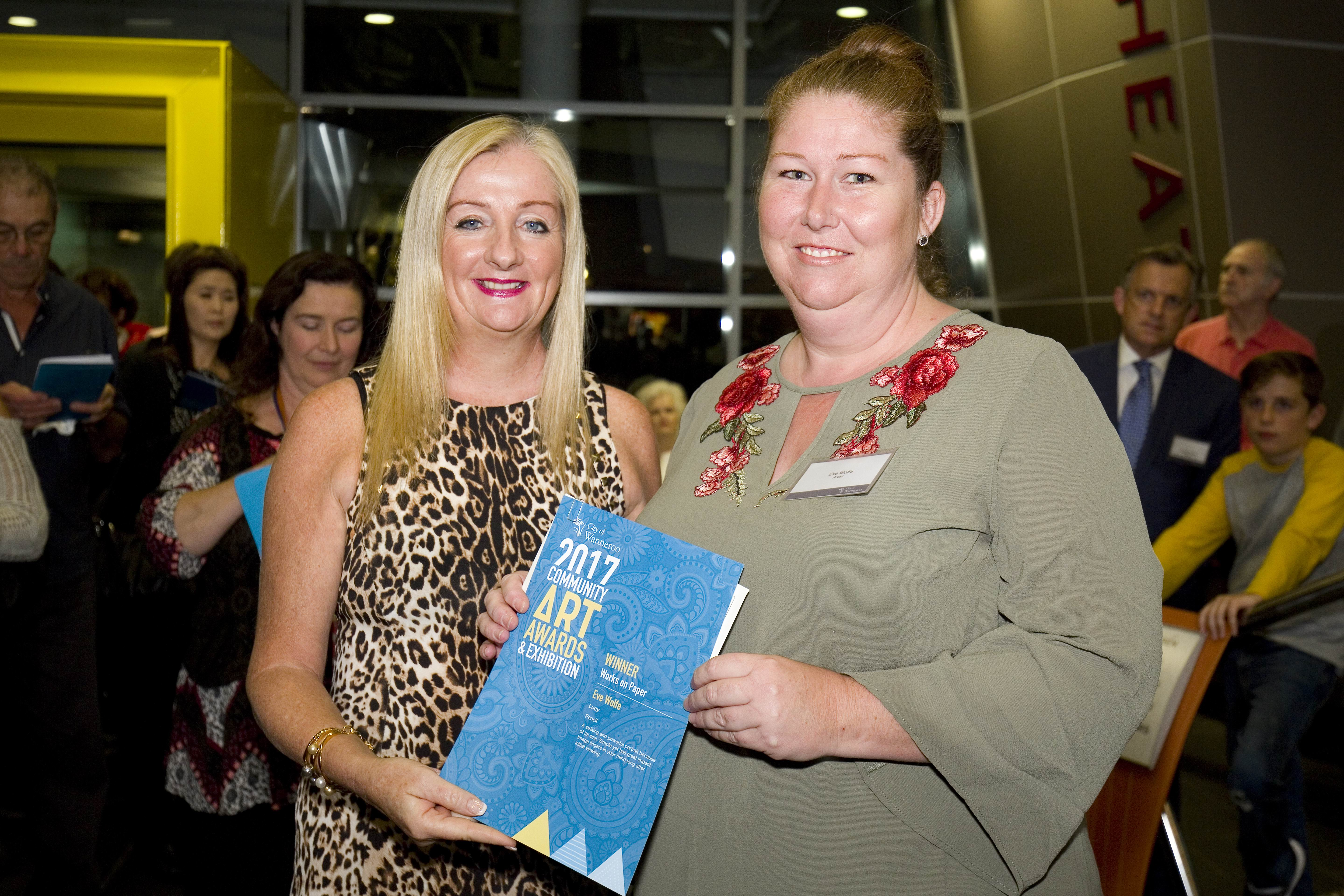 Wanneroo Mayor Tracey Roberts and works on paper category winner Eve Wolfe