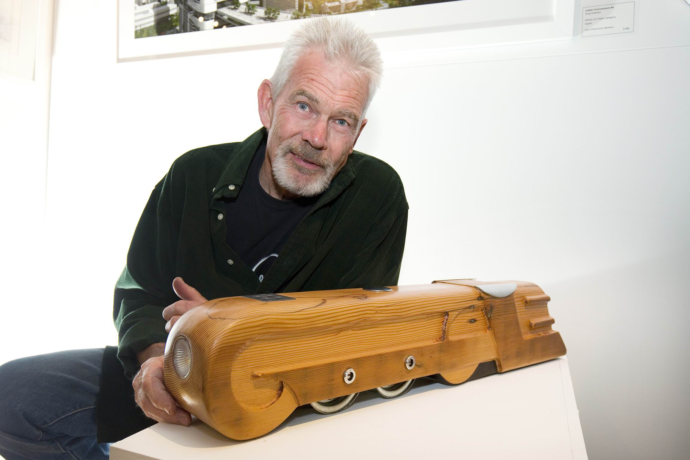 Ian Kay and his winning sculpture