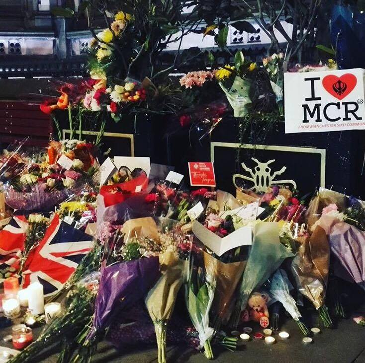 Perth woman living in Manchester paints picture of 'eerie and sombre' feeling in city in wake of terror attack