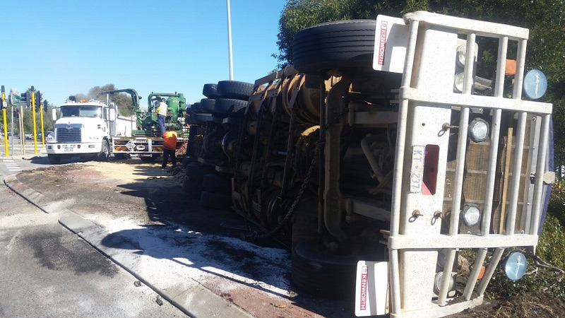 The aftermath of the truck rollover in East Fremantle. Photo: Jon Bassett