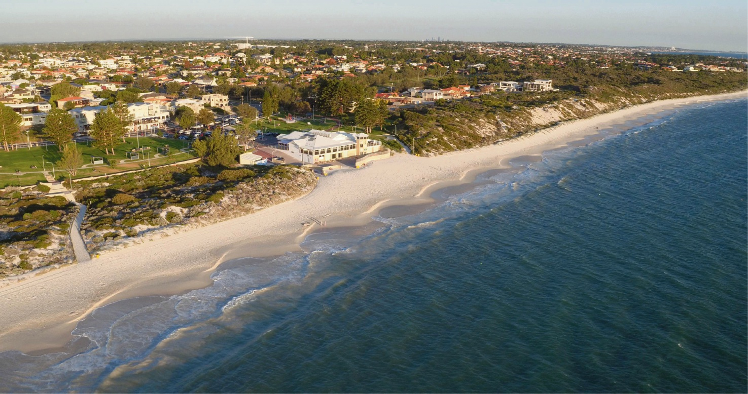 An aerial photo of Mullaloo Beach and Tom Simpson Park.