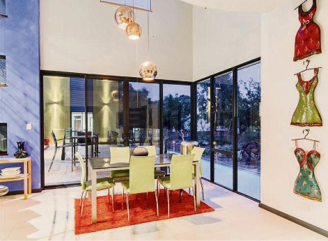 Warnbro, 5 La Seyne Crescent – $1.19 Million – $1.22 Million