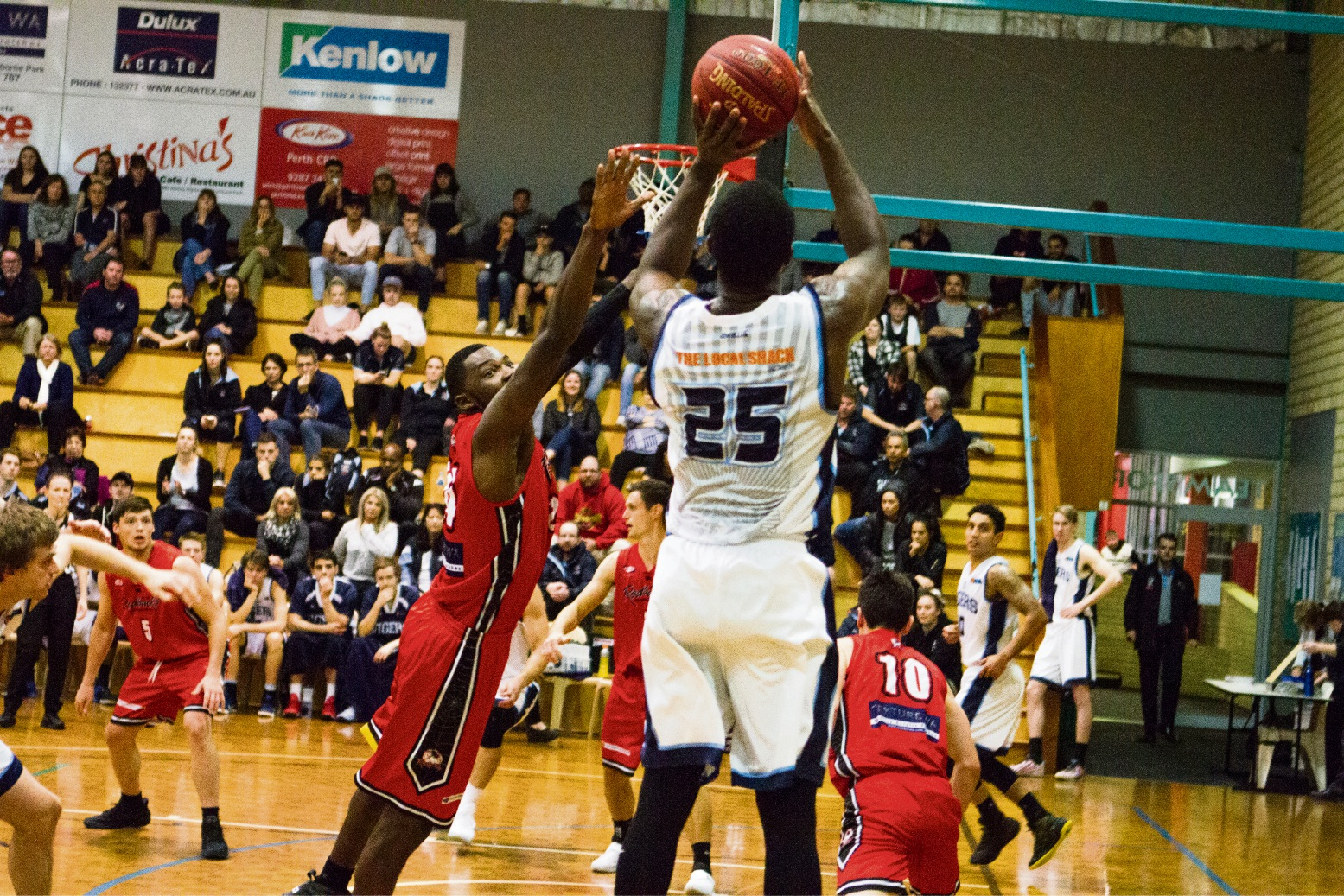 Jay Bowie takes the shot for the Willetton Tigers.