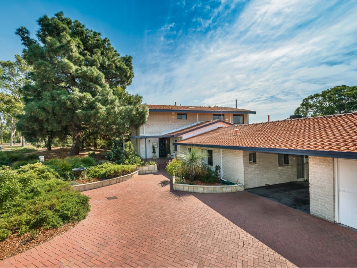 Floreat, 42 Kintyre Crescent – Offers