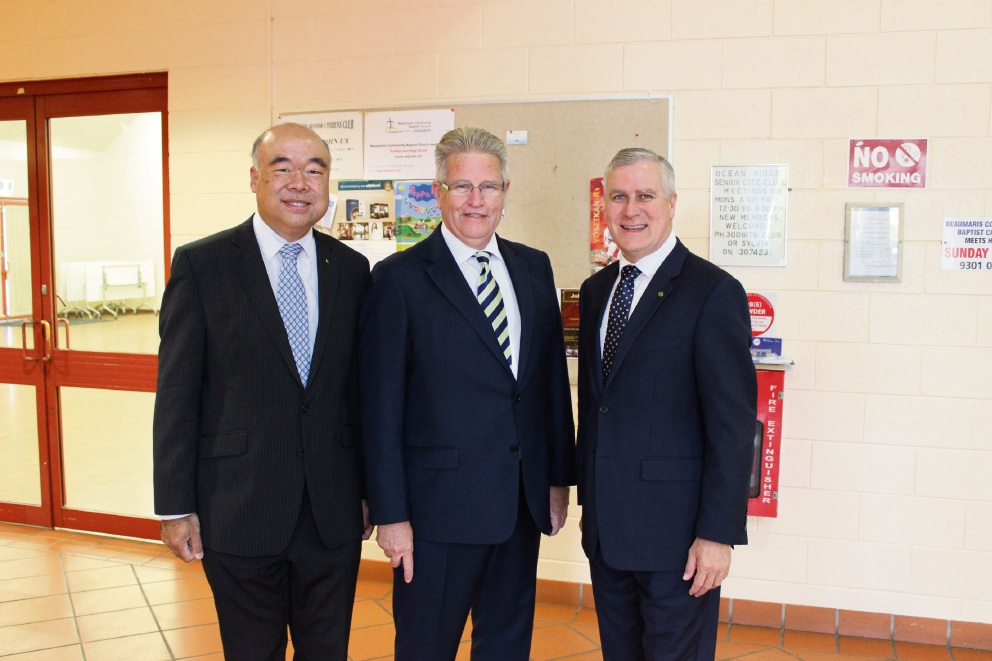 Moore MHR Ian Goodenough, City of Joondalup chief executive Garry Hunt and Small Business Minister Michael McCormack.
