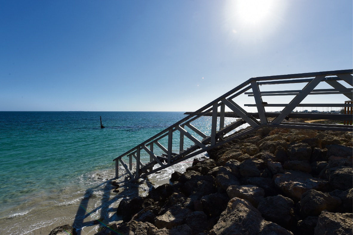 Weather forces delays to North Coogee maritime trail stairs