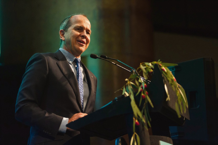 Journalist Peter Greste sharing his story of imprisonment with rural doctors at the awards night.