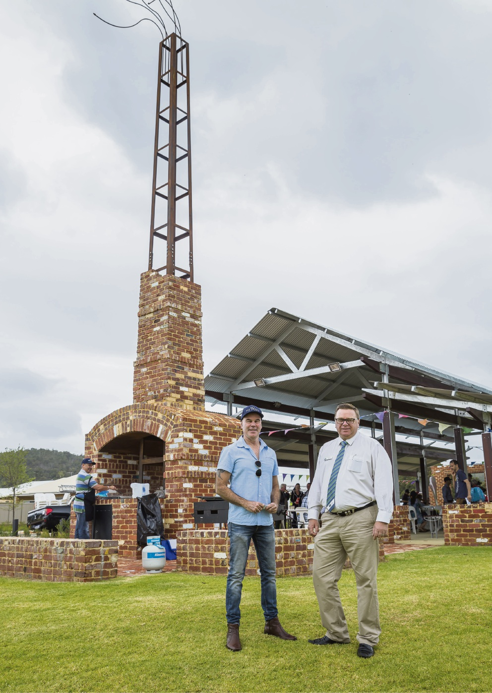 Cedar Woods senior development manager Ken Haustead and Serpentine Jarrahdale President John Erren at the opening.