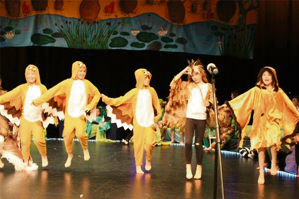 Once Upon a Lilypad: Frederick Irwin Year 3 students have hopping good time