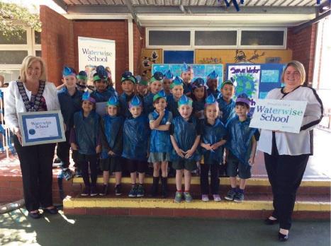 Mandurah Mayor Marina Vergone and Mandurah Primary School principal Natasha Upcott with students.