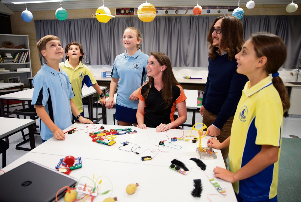 Western Power's Chantel Oliver with Mullaloo Beach PS science teacher Adan Mosconi and students Lucas, Max, Monique and Emerson. Picture: Martin Kennealey