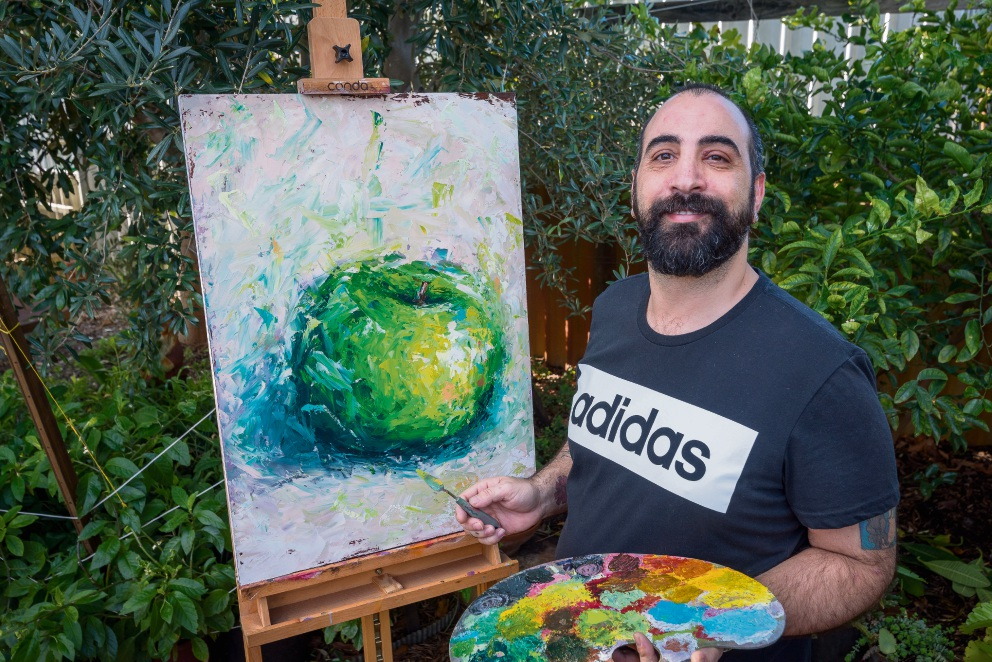 Cannington painter Damien Vendetti is having success selling his art online.