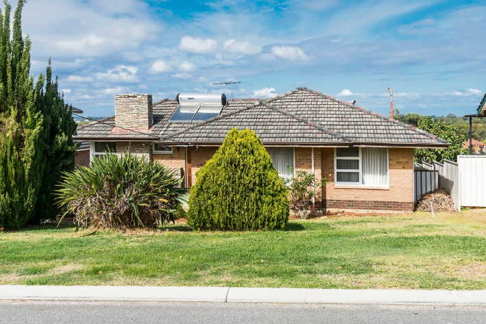 Woodlands, 253 Ewen Street – Auction, June 10 at 2:00pm
