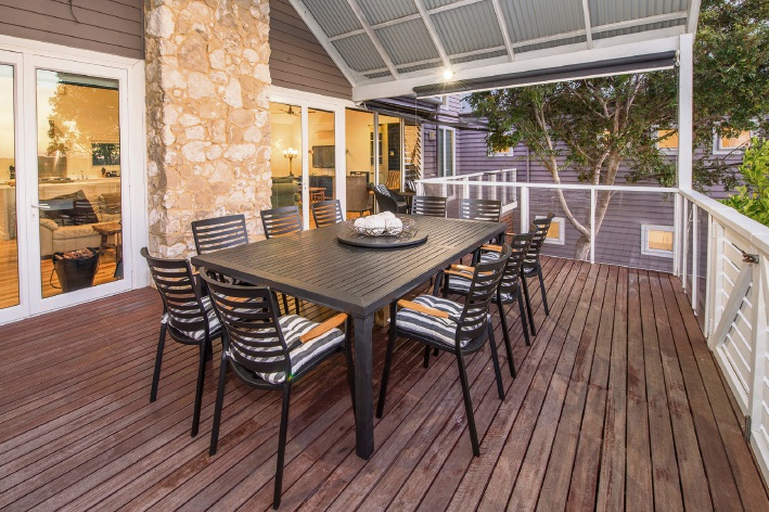 Yallingup, 25 Robert Donald Heights – $1.385 million