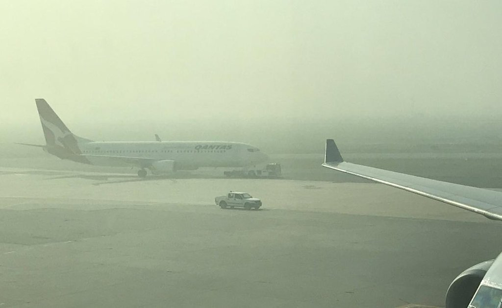 Smoke at Perth Airport today. Photo: Darrin Lee/Twitter