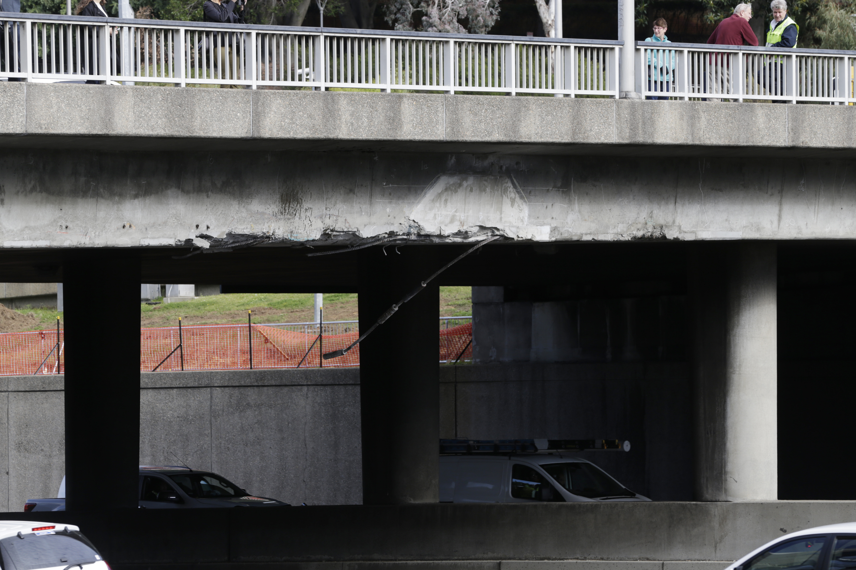 Truck hits Hay Street overpass on the Mitchell Freeway. Picture: Andrew Ritchie
