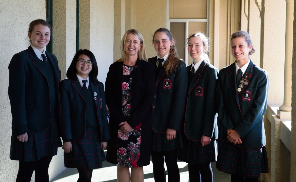 Principal elect Jennifer Oaten with Year 11 students Piper Brown, Audriss Hamdani, Megan Etelaaho, McKenzie Nagle and Emily Mascaro. Picture: Martin Kennealey d470228