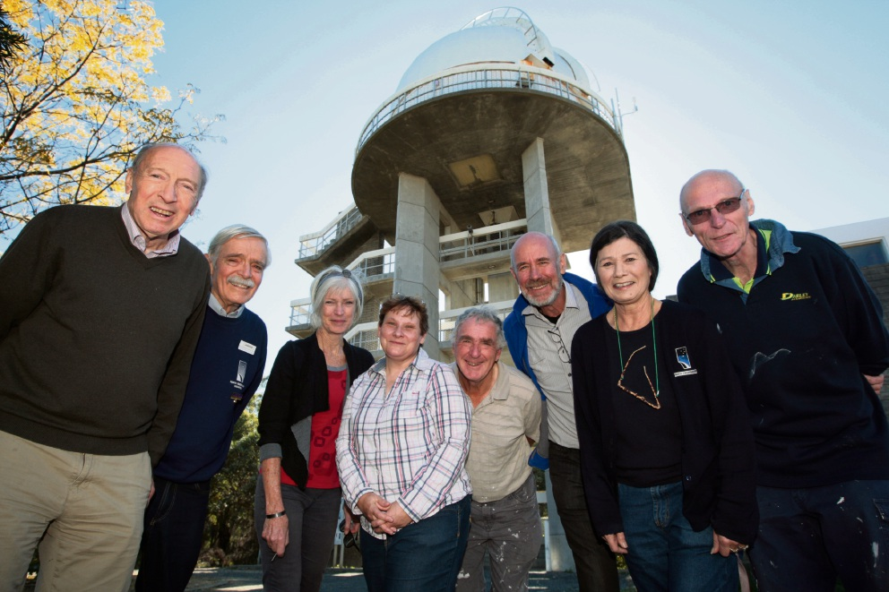 Perth Observatory volunteers Michael Myers, John Tuffin, Diana Rosman, Suzanne Knight, Des Criddle, Paul Jones, Brenda Spencer and Ken Day.  �������d470012