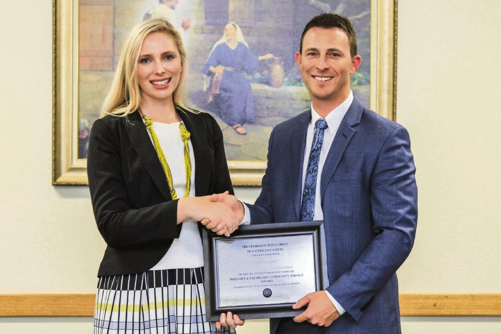 Community service award for City of Mandurah councillor