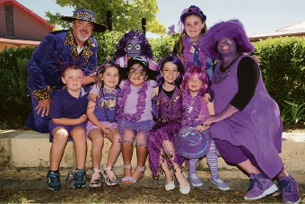 Principal Dean Goldspink, Purple Haze co-ordinator Rosemary Reberger and some Ellen Stirling PS students. Picture: Bruce Hunt