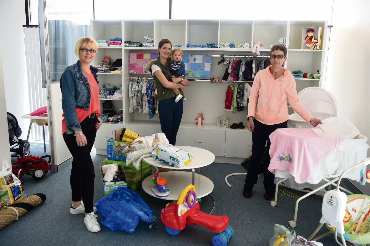 Centre manager Helen Beumer, Kara Visser with baby Darcy and Mayanne Woonings. Picture: Jon Hewson www.communitypix.com.au d470348