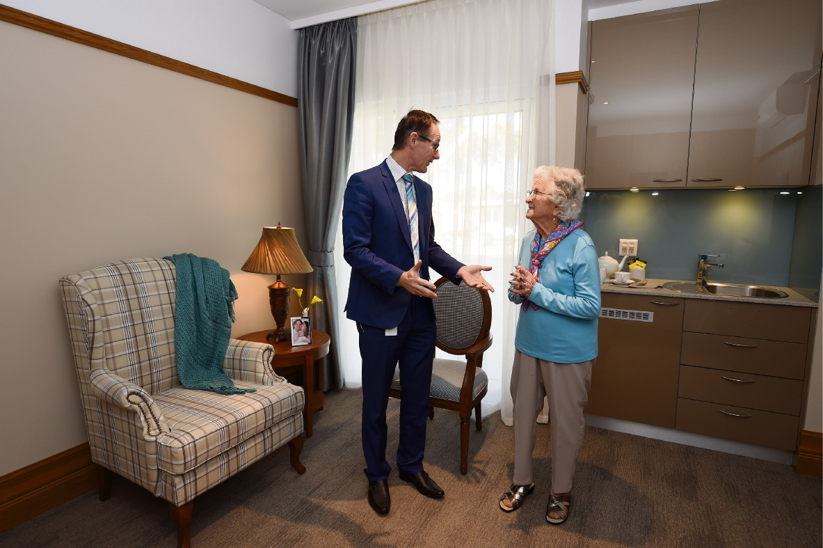 A place to call home: Resident Winifred Finlayson with Berrington managing director Greg Gillingham. Picture: Jon Hewson �������www.communitypix.com.au   d470198