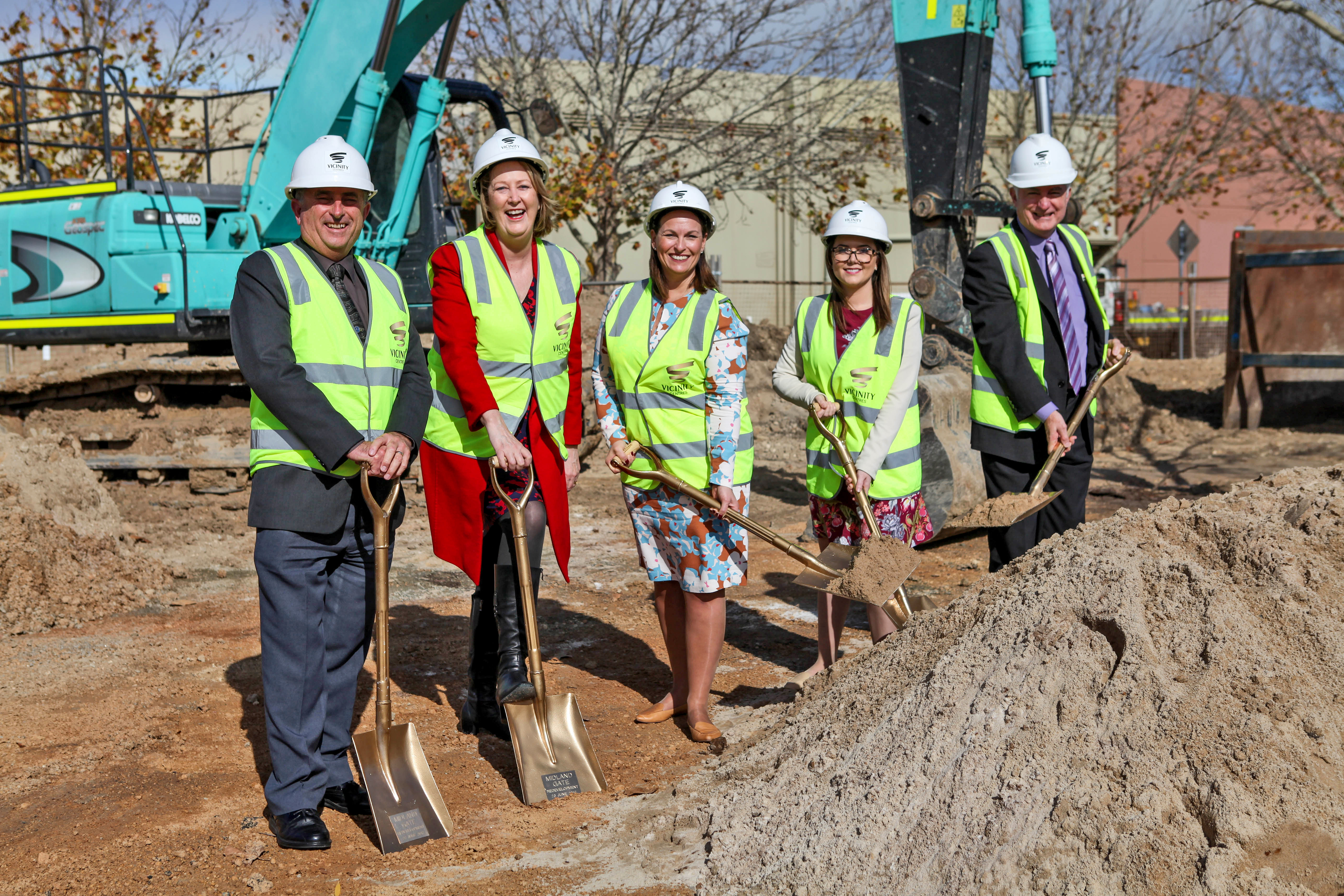 City of Swan Mayor, Mick Wainwright, State Local Member for Midland, the Hon Michelle Roberts MLA, Vicinity Centres Executive General Manager of Development, Carolyn Viney, Midland Gate Centre Manager Alison Broadbent and City of Swan CEO Mike Foley.