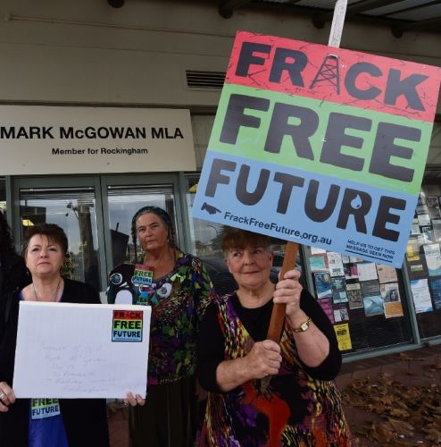Rockingham residents against fracking give letter to Premier