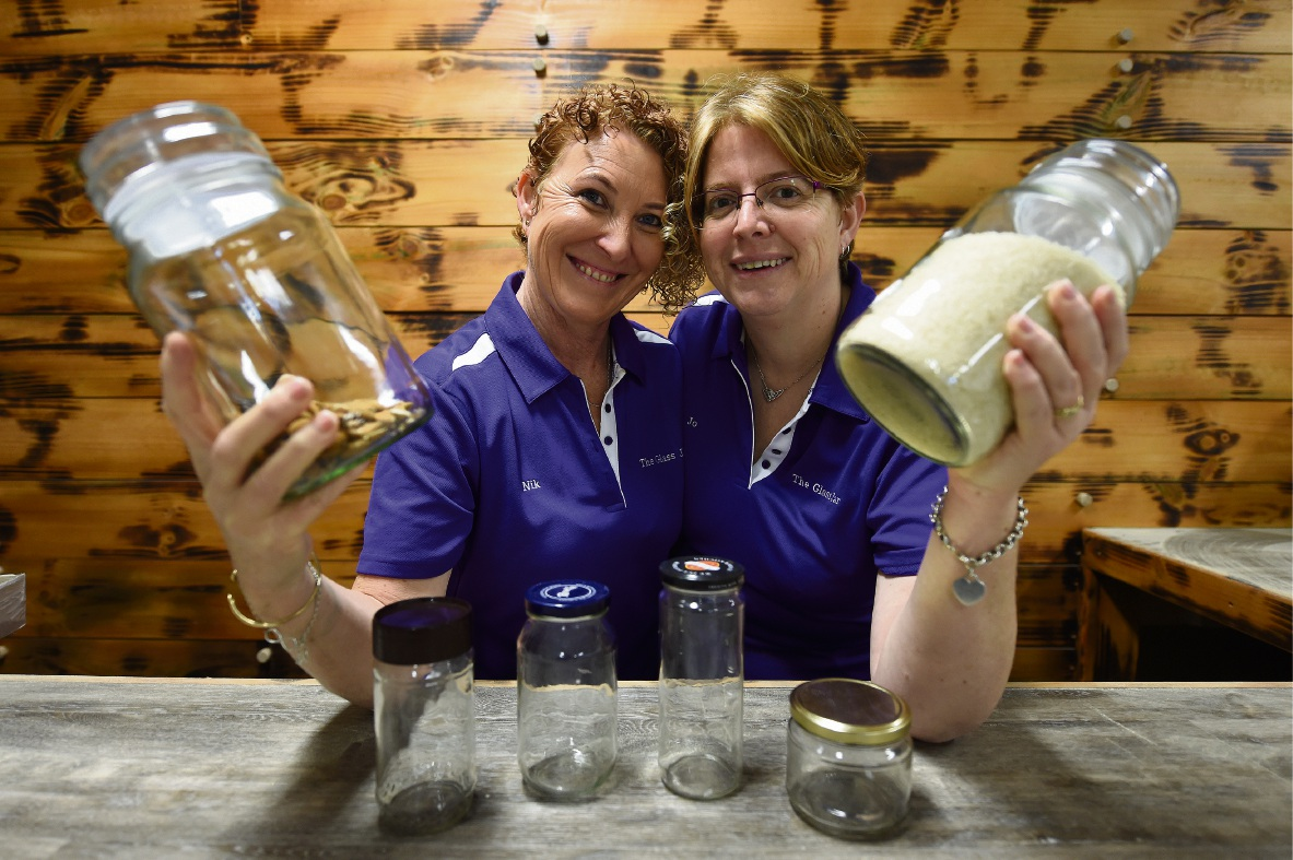 The Glass Jar co-owners Nik Awford and Jo Wrench. Picture: Jon Hewson �������www.communitypix.com.au   d470619