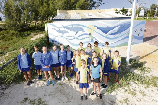 Mullaloo Beach Primary School students with their mural.