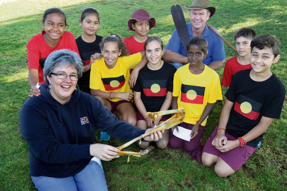 Dr Kristina Lemson and Jason Barrow, from Edith Cowan University, with Merriwa |Primary School cultural ambassadors. Picture: Bruce Hunt �������www.communitypix.com.au   d470512