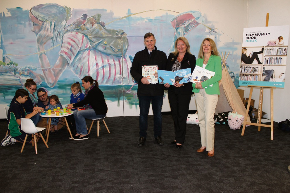 Pop-up library opens at Lakelands Shopping Centre