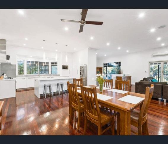 Lesmurdie, 23 Coolinga Road – $869,000