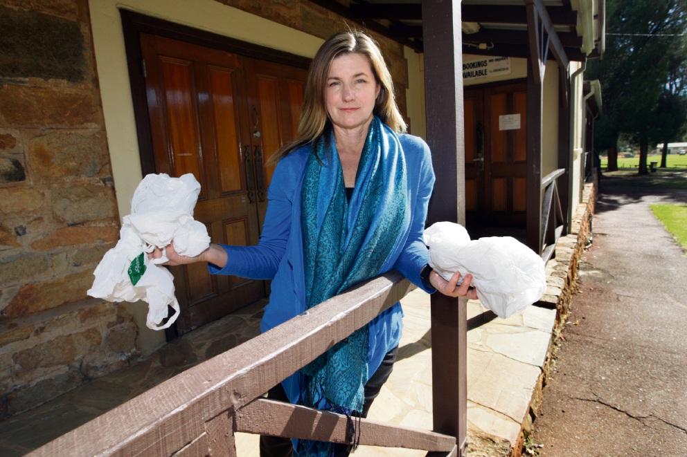 City of Swan backs ban on plastic bags