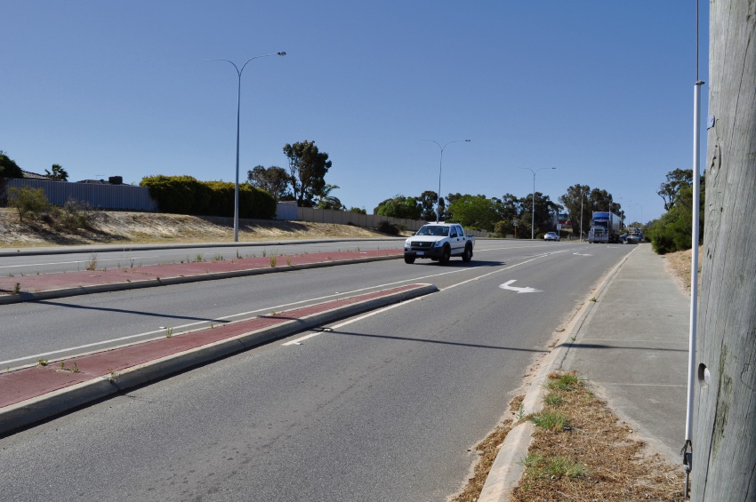 The widening of Spearwood Avenue received State and Federal government funding.