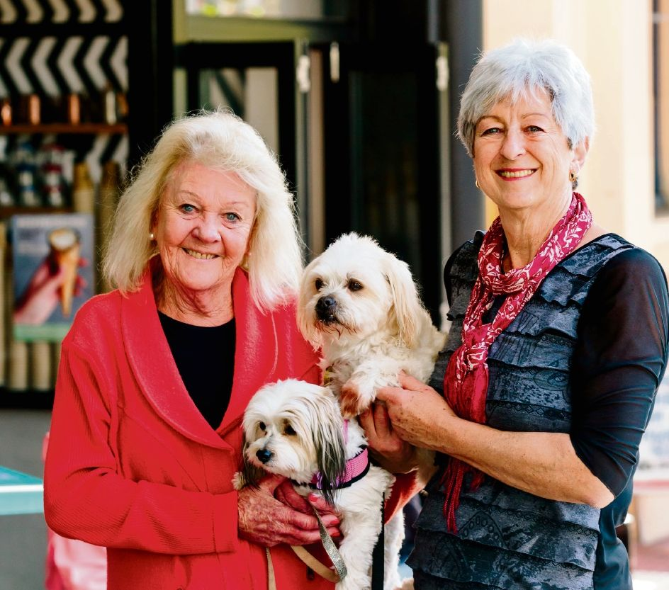Mayor Heather Henderson with Tilly and Helen Potter and Koko.