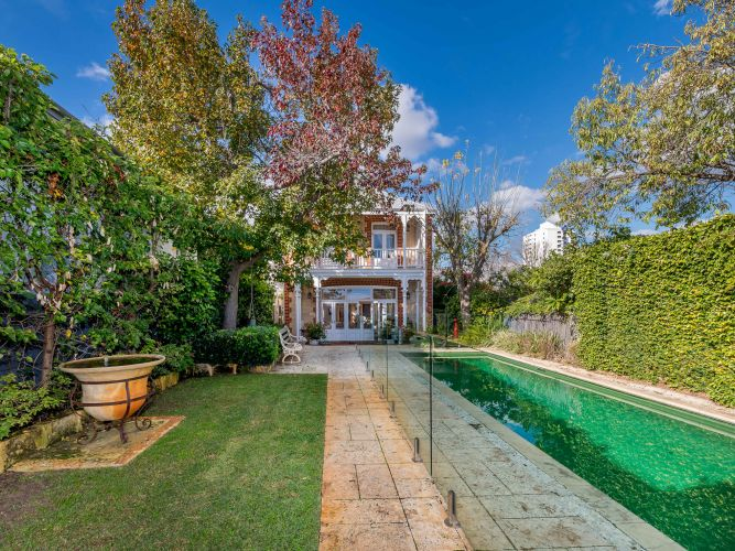 Claremont, 91 Bay View Terrace – $2.95 million