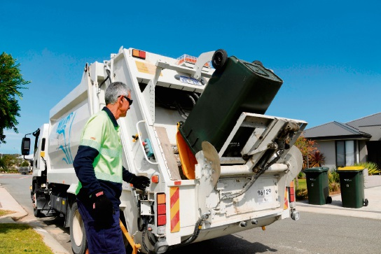 Waste services pick up a recyling bin in Alkimos. Picture: City of Wanneroo