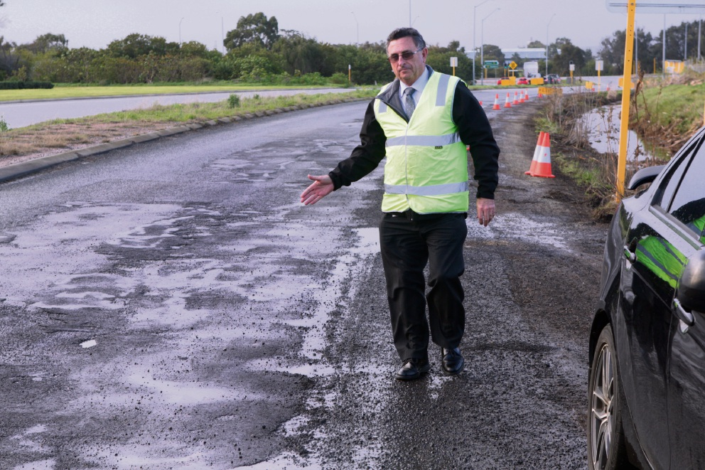 Potholes and black holes: City of Swan Mayor Mick Wainwright says funding cuts to the city's road maintenance grants are a big blow. Picture: Bruce Hunt www.communitypix.com.au   d472406