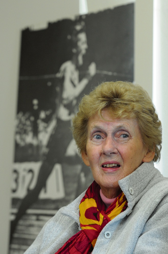 Mandurah's golden girl Betty Cuthbert dies at 79