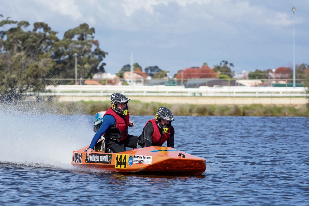 Power boat winners Jay Branson and David North before crossing the finish line on day two of the Avon Descent. Picture: Kelly Pilgrim-Byrne, Courtesy City of Bayswater
