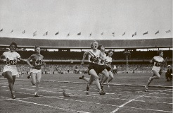 Betty Cuthbert winning gold in Melbourne, 1956.