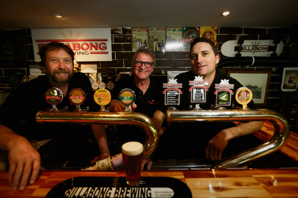 Billabong Brewing owner Alan Proctor (centre) with brewers Rob Murphy (left) and Dan Turley. Picture: Andrew Ritchie www.communitypix.com.au d472539